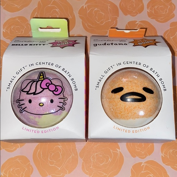 2 The Creme Shop Bath Bombs Hello Kitty & Gudetama